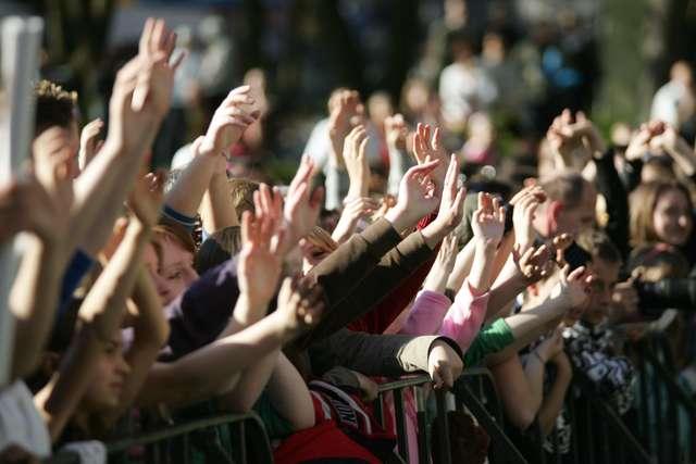 Nie przegap imprezy. Złap bilet na spektakl lub koncert! - full image