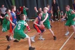 W Elbaskecie uczestniczą zespoły dziewcząt i chłopców z klas piątych