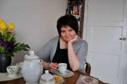 Ewa Karolak: Pisanie to moja pasja, być może dlatego widzę tylko blaski bycia pisarką