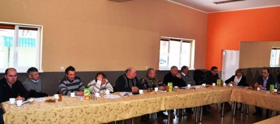 Podczas spotkania przeprowadzone zostały dyskusje na temat bieżącej sytuacji w rolnictwie, utrzymania dróg na terenie Gminy Pieniężno