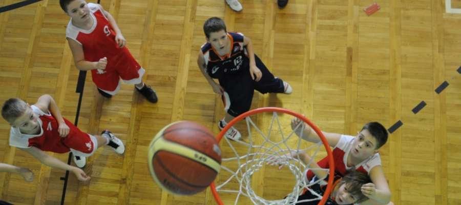 W tegorocznym turnieju Elbasket rywalizowały 32 zespoły z całej Polski