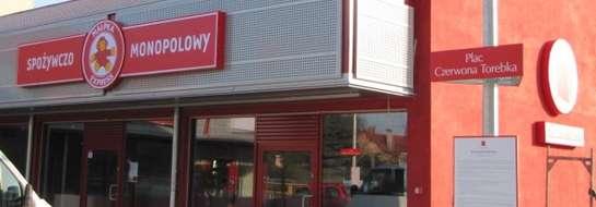 """Jak dowiedzieliśmy się w UMiG w Piszu, dotychczas nie wydano koncesji na sprzedaż alkoholu w kompleksie sklepów """"Czerwona Torebka"""""""