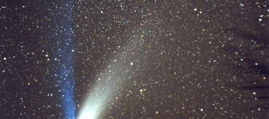 Ostatni raz mieliśmy okazję oglądać kometę gołym okiem szesnaście lat temu. Była to widoczna na zdjęciu kometa Hale-Bopp. Zdjęcie wykonano w Obserwatorium Muzeum Mikołaja Kopernika we Fromborku