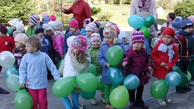Dzień Ziemi w Przedszkolu z Oddziałami Integracyjnymi w Olecku  - full image