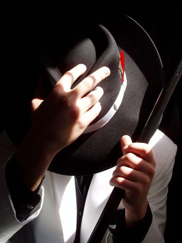 Męskość z kapelusza - full image