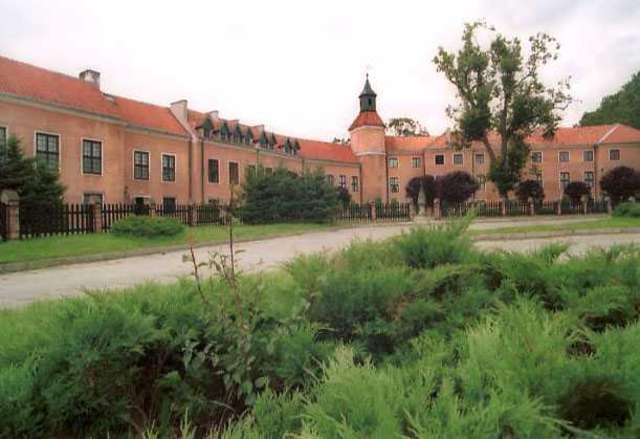Morąg: Pałac Dohnów z Muzeum im. Johanna Gottfrieda Herdera - full image
