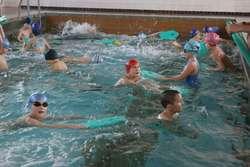 Woda na krytej pływalni jest już czysta i ponownie można korzystać z basenu