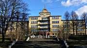 Elbląg: Budynek przedwojennej Jahnschule, obecnie gimnazjum nr 5