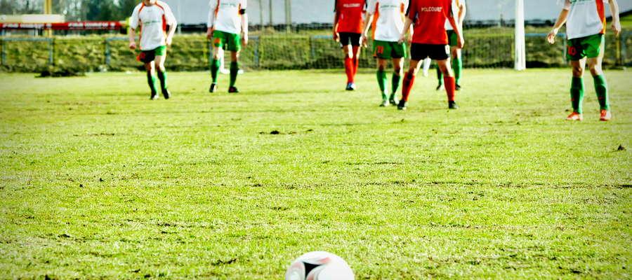 Piłka w sobotę przy Żeromskiego nie znalazła drogi do bramki