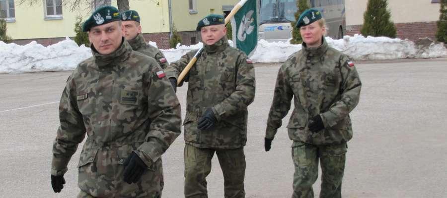 """Proporzec dla """"najlepszego pododdziału"""" pozostanie w gołdapskiej jednostce przez rok"""