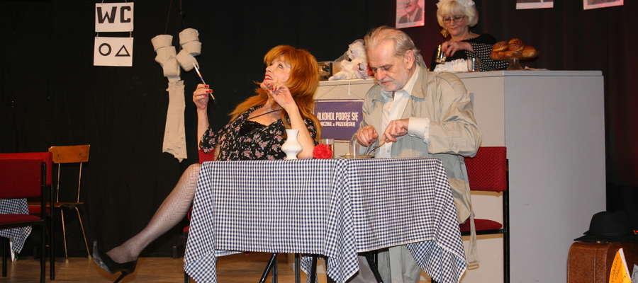 """Grupa teatralna """"MIMO WSZYSTKO"""" gościła w listopadzie w MGOK w Lidzbarku"""