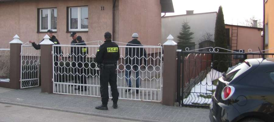Ciała trzech noworodków policjanci odnaleźli w zamrażalniku w domu państwa D.
