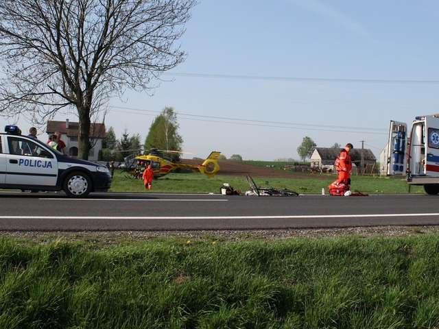 Czarna seria wypadków na krajowej dziesiątce, w miejscowości Józefowo za Gójskiem - full image