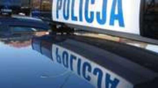 Kierowca laguny uciekał przed policją - bez prawa jazdy i pod wpływem alkoholu - full image