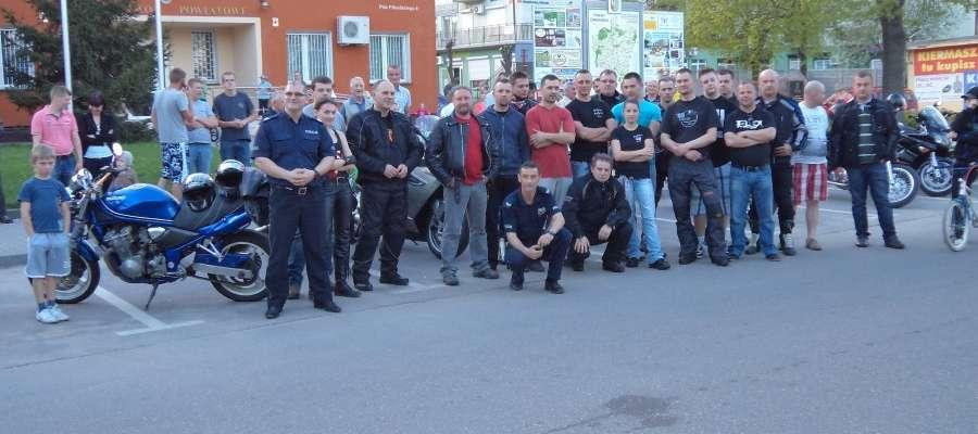 Spotkanie motocyklistów oraz funkcjonariuszy policji