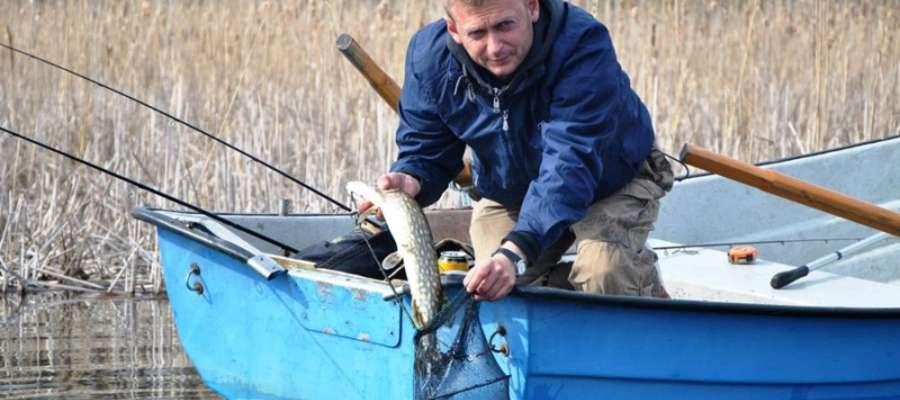 Wędkarze rywalizujący na wodach Zatoki Wierzbińskiej na brak rezultatów wędkowania nie narzekali