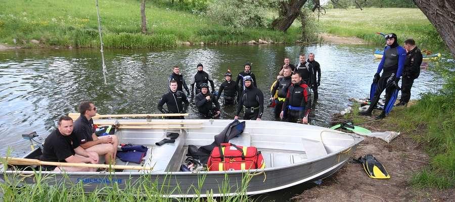 II Strażacka Akcja Sprzątania dna rzeki Krutyni - maj 2012