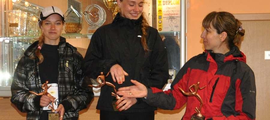 Mama Bożena Lulińska gratuluje zwycięstwa swojej córce, Kamili
