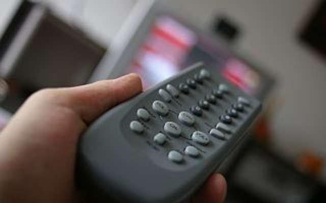 Świąteczne hity telewizji. Przewodnik po świątecznej ramówce  - full image