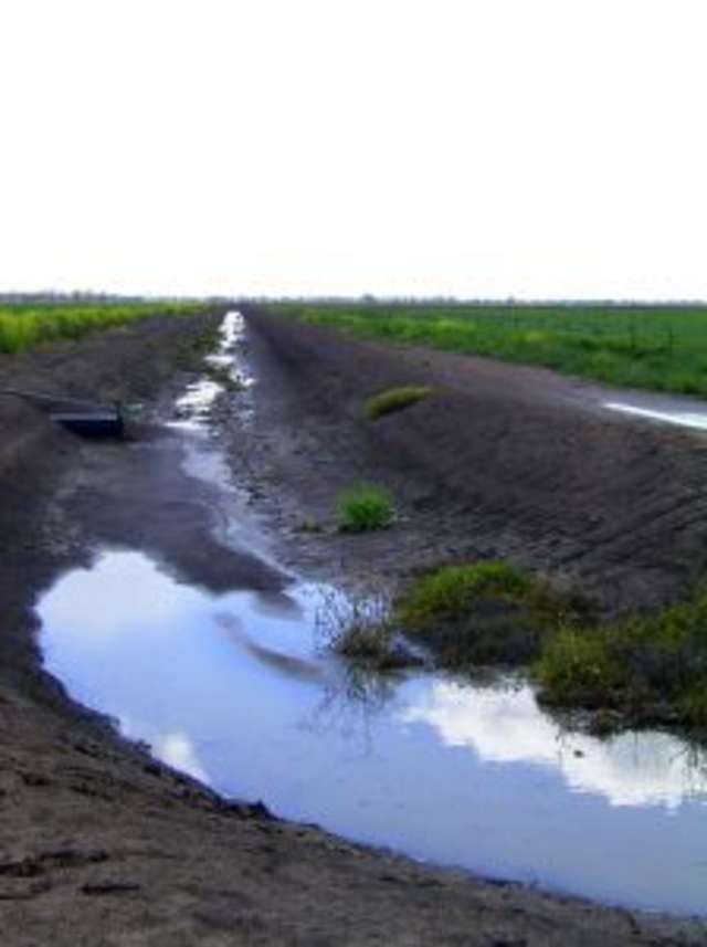 Będą środki dla spółek wodnych na poprawę złego stanu systemu melioracyjnego - full image