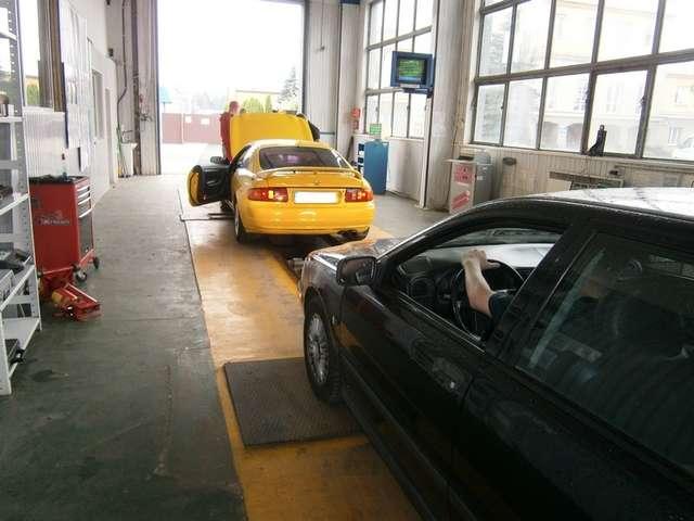 Przegląd pojazdów na Stacji Kontroli Skrawmet - full image