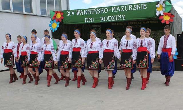 Na zakończenie spotkania zaprezentowały się zespoły, w tym m.in. Dumka z Górowa Iławeckiego - full image