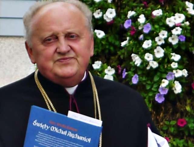 Ustępujący z funkcji proboszcza płońskiej parafii ks. kan. Edmund Makowski - full image