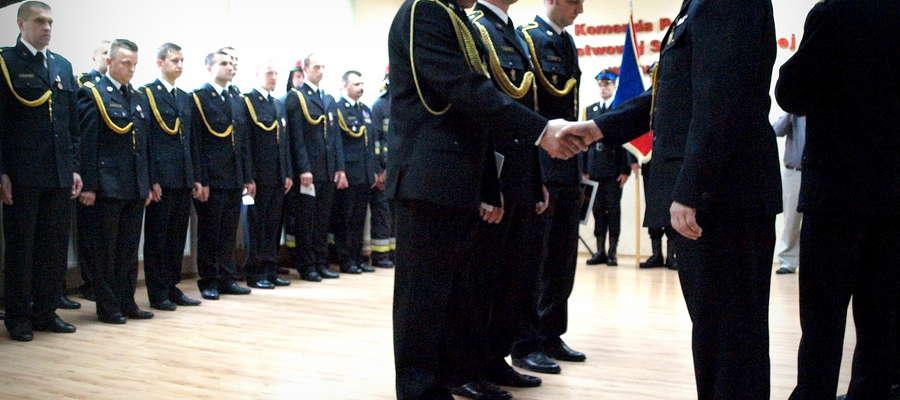 Żuromińskich strażaków honorował między innymi komendant PSP Adam Dobrosielski