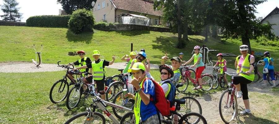 W IV Letniej Szkole Rowerowej wzięło udział 50 młodych rowerzystów z Wydmin