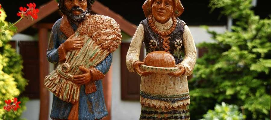 Gliniane figurki z Muzeum Regionalnego im. Walentyny Dermackiej