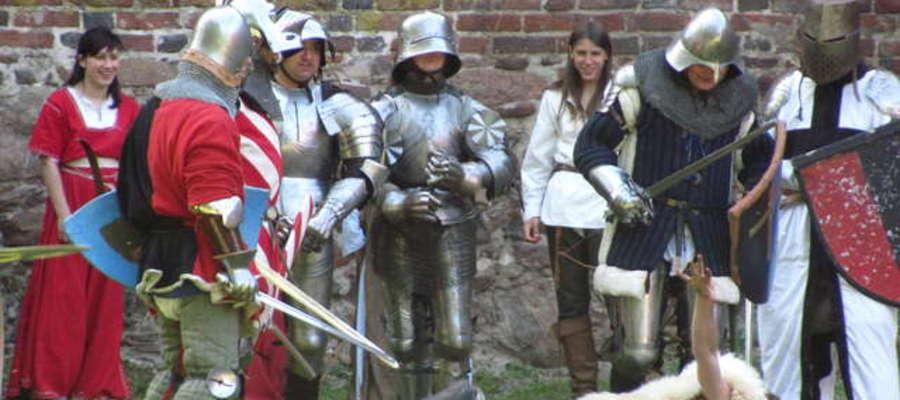 """W 2011r. we Fromborku mogliśmy zobaczyć inscenizację """"Wojny Zakonu z Litwą — Oblężenie Ritterswerde 1385r."""""""