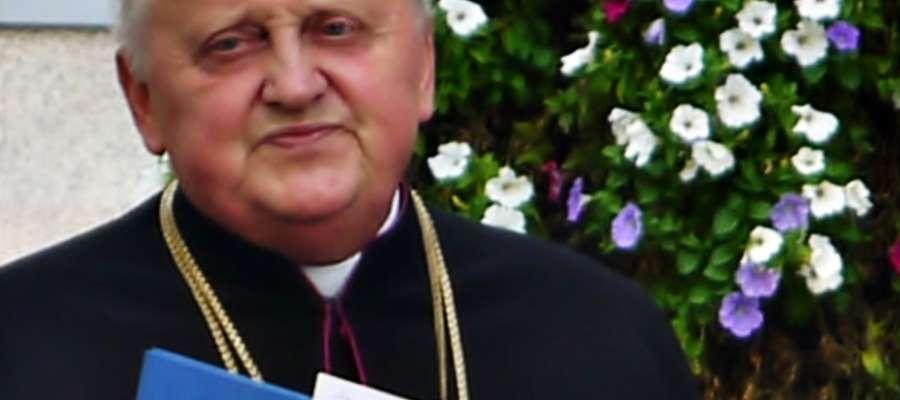 Ustępujący z funkcji proboszcza płońskiej parafii ks. kan. Edmund Makowski