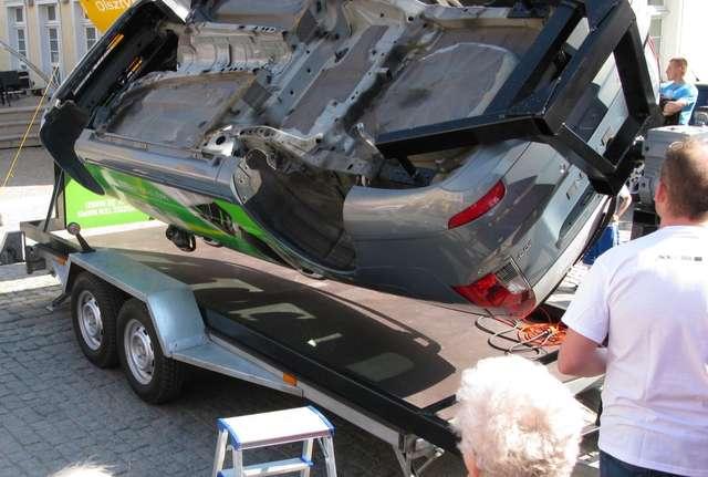 Festyn z bezpieczeństwem: Symulator dachowania i jazda 3D - full image