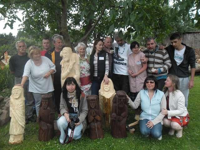 Uczestnicy pleneru w Gąsiorowie - full image