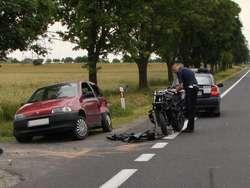 Wypadek motocyklisty w Józefowie. Zawiniła brawura?