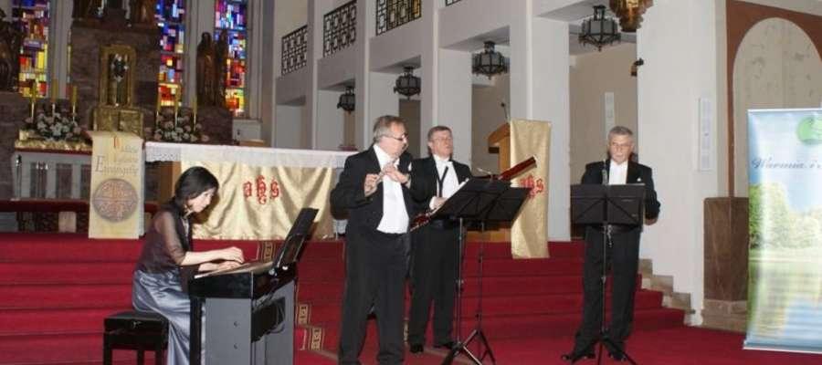 Podczas koncertu zespół Pro Musica Antiqua zaprezentował wiele najbardziej wartościowych i znanych utworów stworzonych przez dawnych i współczesnych kompozytorów