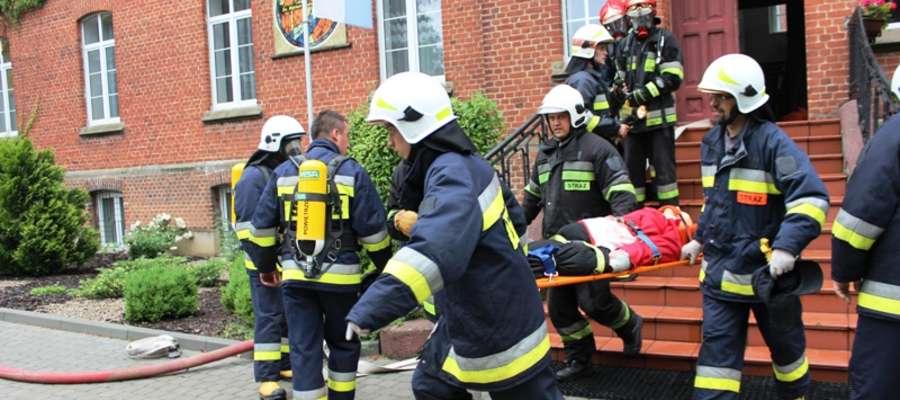 Ćwiczenia przeprowadzono w ramach koncentracji gminnej jednostek ochotniczych straży pożarnych z terenu miasta i  gminy Pieniężno, miasta Braniewa oraz gminy Płoskinia