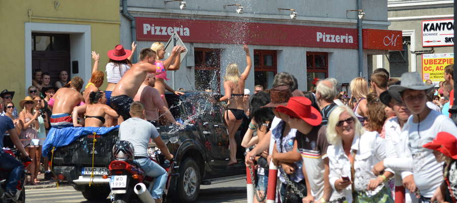 Pół tysiąca pojazdów pojechało w Paradzie Country