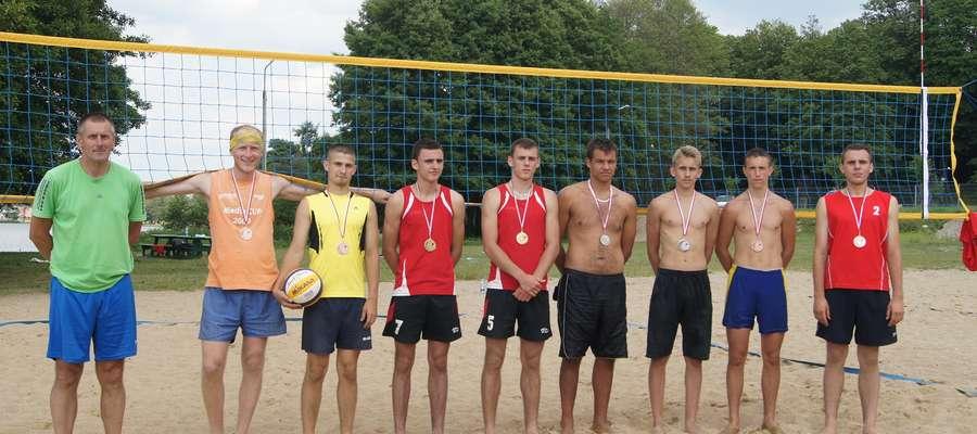 Najlepsze cztery pary pierwszego turnieju. Pierwszy z lewej organizator Krzysztof Kopowski
