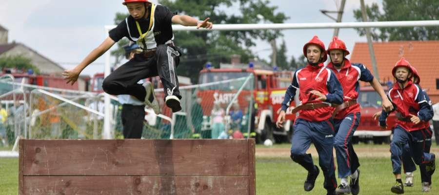 Gminne zawody sportowo-pożarnicze odbyły się na stadionie miejskim w Białej Piskiej