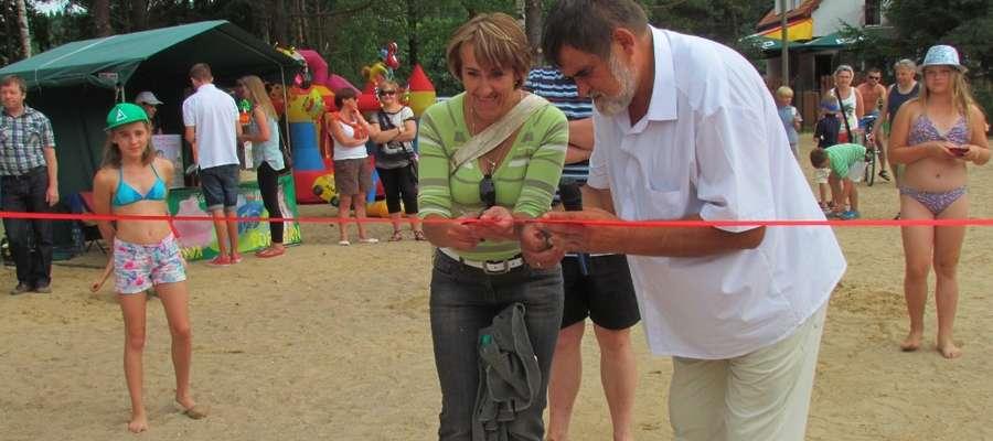 Uroczyste przecięcie wstęgi na wyremontowanej plaży w Kruklankach odbyło się w niedzielę, 21 lipca