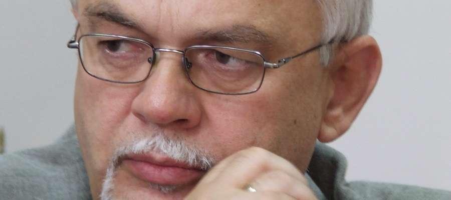 Zauważyłem, że radni często nie głosują zgodnie ze swoim przekonaniem i sumieniem, a  według strategii wykorzystywanej do politycznych gierek — mówi Krzysztof Nałęcz
