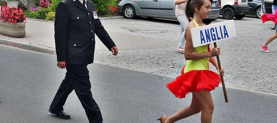"""Na ulicy Płockiej pojawił się m.in. angielski policjant, jak się zwykło mówić na Wyspach, popularny ,,Bobby"""""""