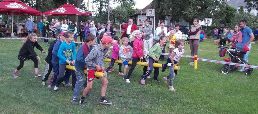 Podczas imprezy odbyły się dwa bloki konkursów dla dzieci i dorosłych