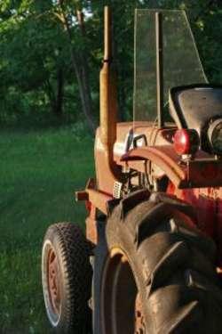 Traktor przejechał mężczyznę i pojechał dalej