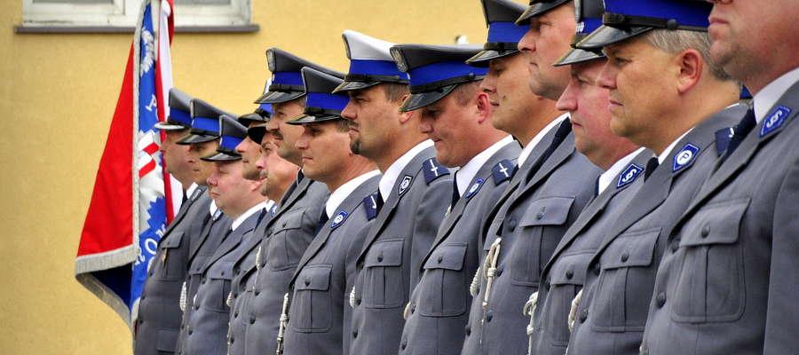W lipcu otrzymywali awanse, dziś łapią przestępców. Policjanci z żuromińskiej KPP