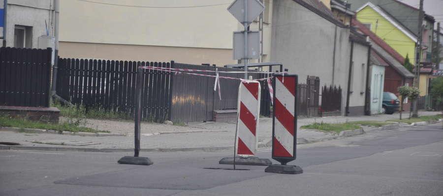 Ulica Zamojskiego wymaga po ostatnich pracach kanalizacyjnych poważnego remontu