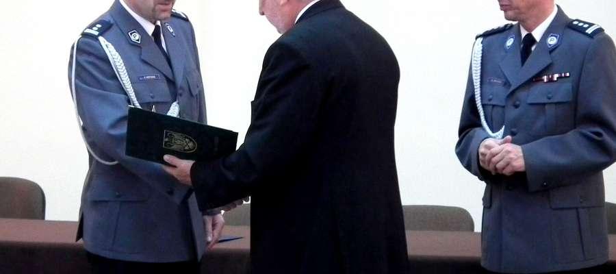 Komendant Hofman przyjął gratulacje m.in. od starosty Włodzimierza Wojnarowskiego