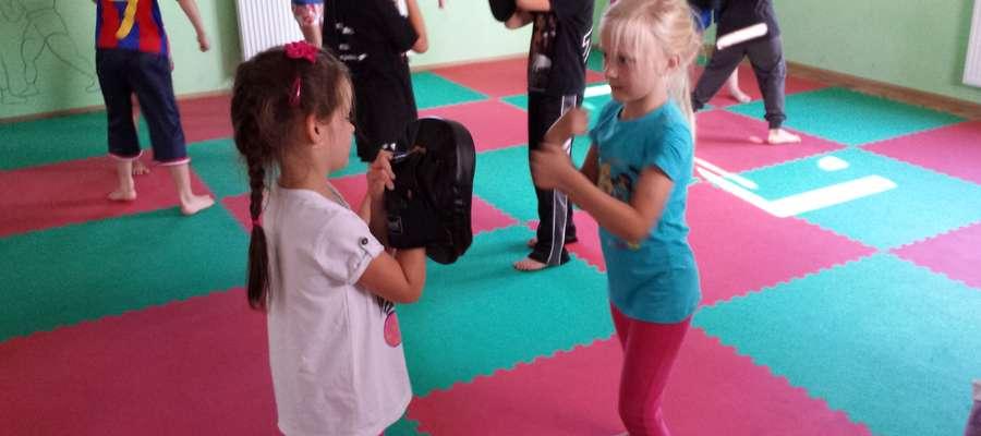 Z kickboxerami z Zamku trenują nawet 4-latki