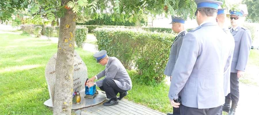Policjanci oddali hołd tragicznie zmarłemu Markowi Cekale